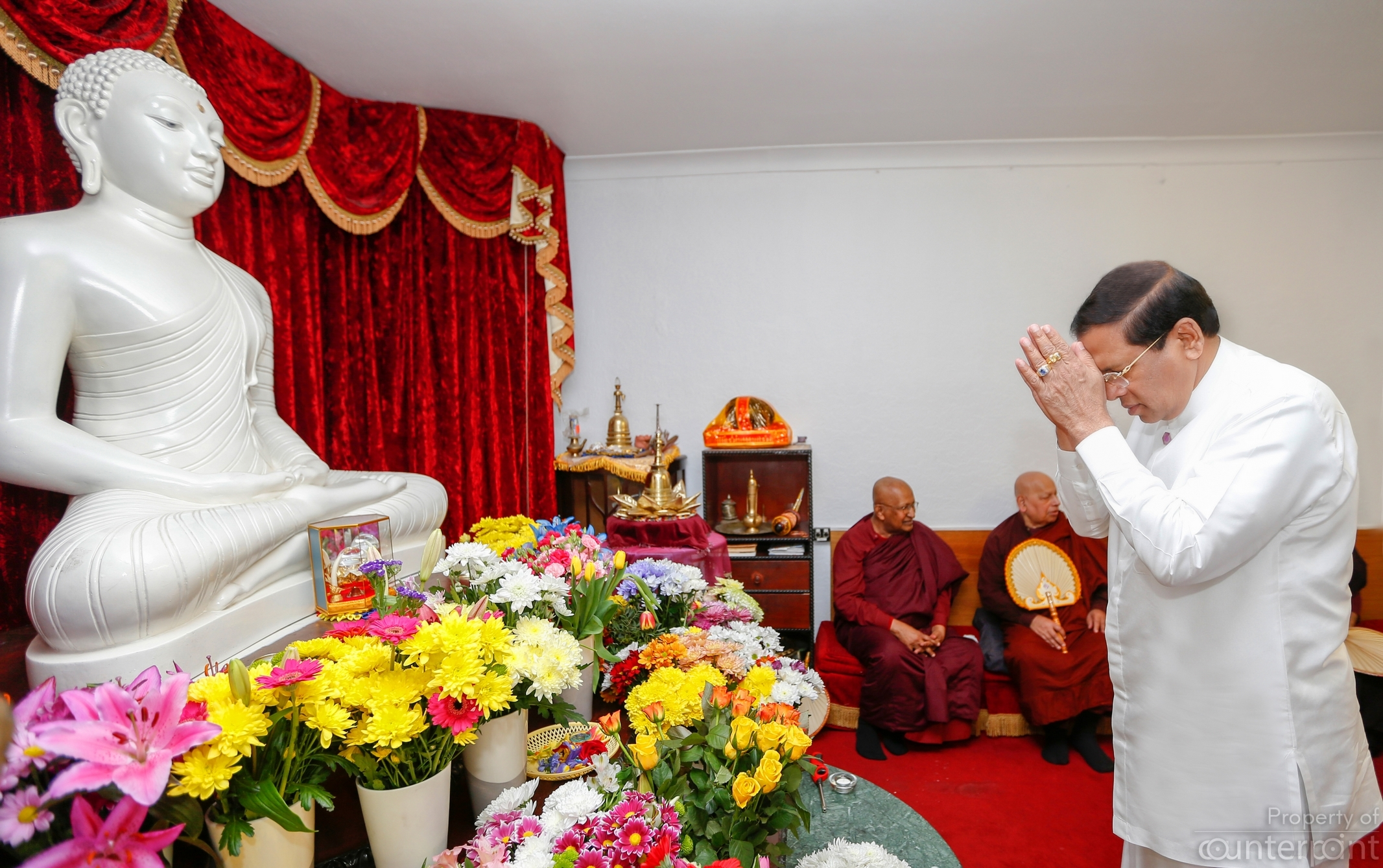 President Sirisena, in London to attend CHOGM participated in religious ceremonies connected with the Avurudu festivities at the London Buddhist Vihara. (President's media unit)