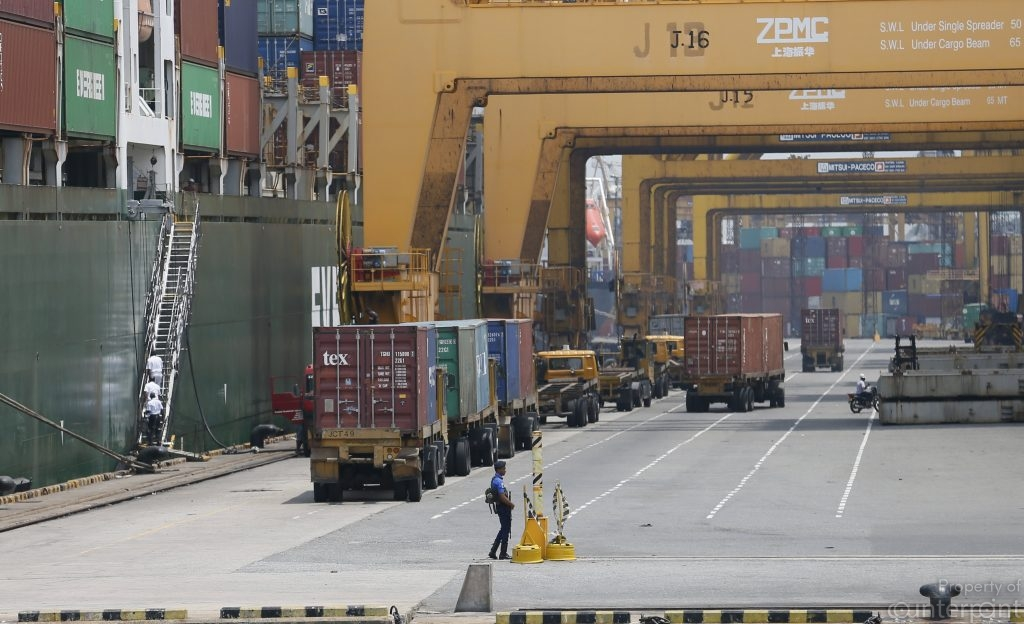 Colombo Port. While container traffic increased at the Colombo Port the growth of the country's export sector declined.