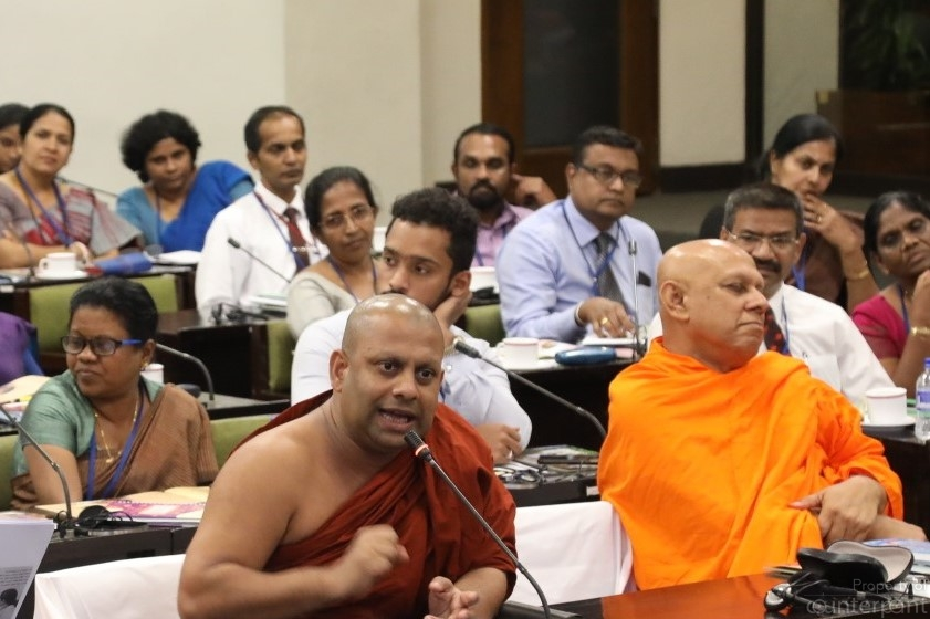 Some sections of the clergy as well as society are divided on whether or not SRH should be introduced to students. Prof. Medagoda Abhayatissa Thero (left), Department of Pali & Buddhist Studies, University of Sri Jayawardenapura opposes the introduction of the Hathe Ape Potha to students, while Dr. Akuretiya Nanda Thero,(right), Chief Sanganayake of the Western Province, and Chancellor of the University of Ruhuna supports it. (Courtesy Parliament Media)