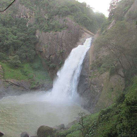 Dunhinda, one of Sri Lanka's many breathtaking water falls (Courtesy TripAdvisor)